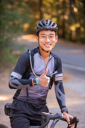 COH Rider - thumbs up